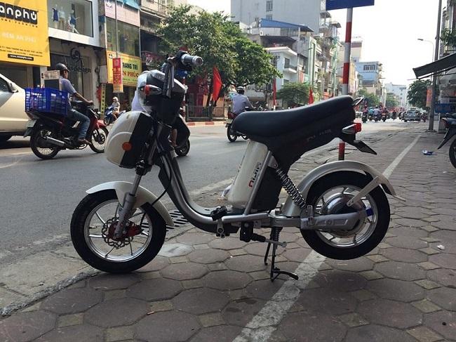 Xe đạp điện Nijia 2014 phanh đĩa đồng hồ cơ màu trắng ngọc trai, xe dap dien Nijia 2014 phanh dia lop lien sam dong-ho-co-trang-ngoc-trai